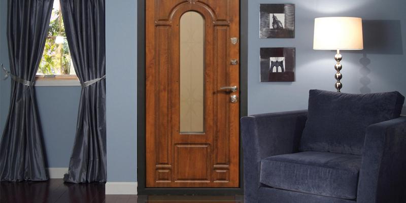 Двери с кованными элементами и плитами МДФ